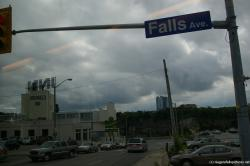 Falls Ave and Micahel's Inn in Canada Niagara Falls.jpg