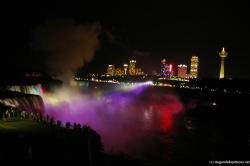 Horseshoe Falls at night light show as seen from Terrapin Point.jpg