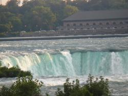 Rushing waters of the Horseshoe Falls as seen from the American side on Terrapin Point.jpg
